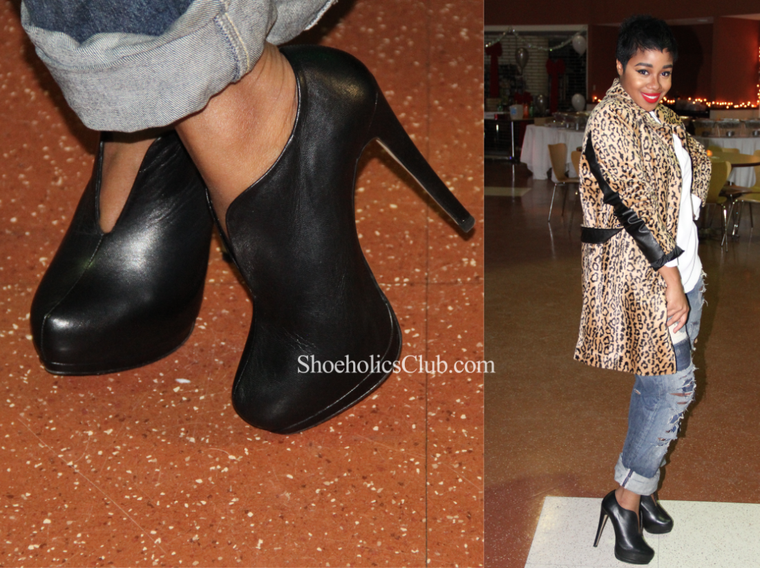 Natasha in a hot pair of Zara deep V front booties