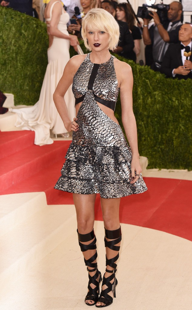 rs_634x1024-160502155722-634-MET-GALA-Arrivals-taylor-swift