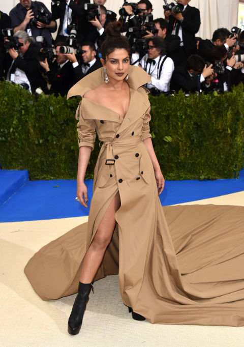 priyanka-chopra-met-gala-2017-dress